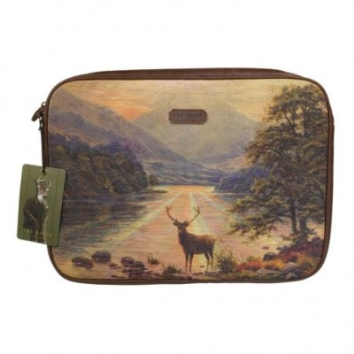 TedBaker_Stag-LapTop-Sleeve_TED022_Wild-and-Wolf